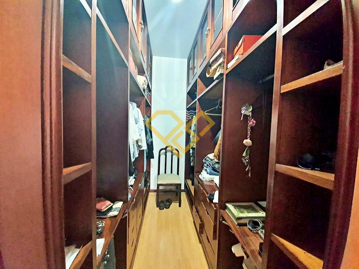 Apartamento à venda no Pompéia: Closet
