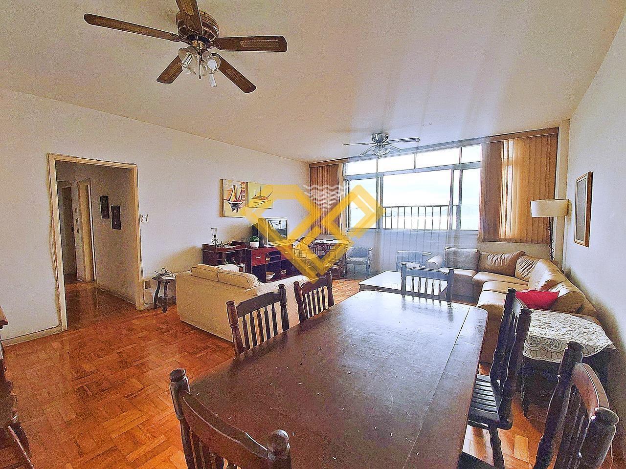 Apartamento à venda no Ponta da Praia: Sala de jantar