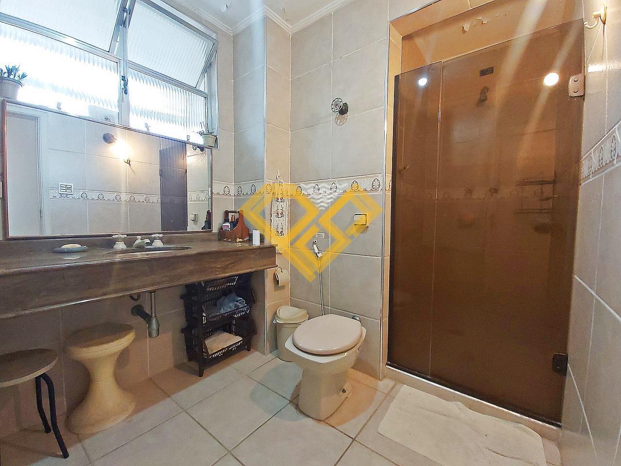 Apartamento à venda no Ponta da Praia: Wc social