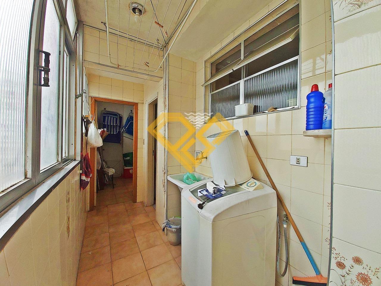 Apartamento à venda no Ponta da Praia: Área de serviço