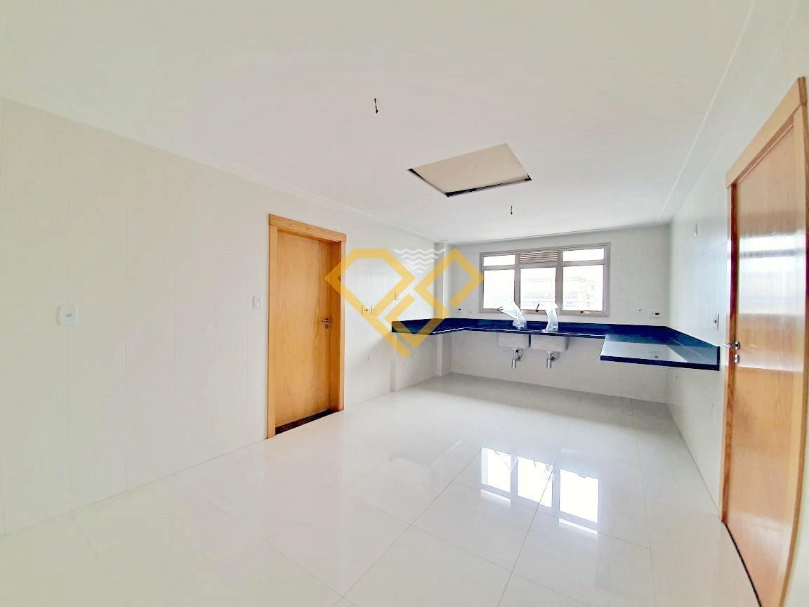 Apartamento à venda no Ponta da Praia: