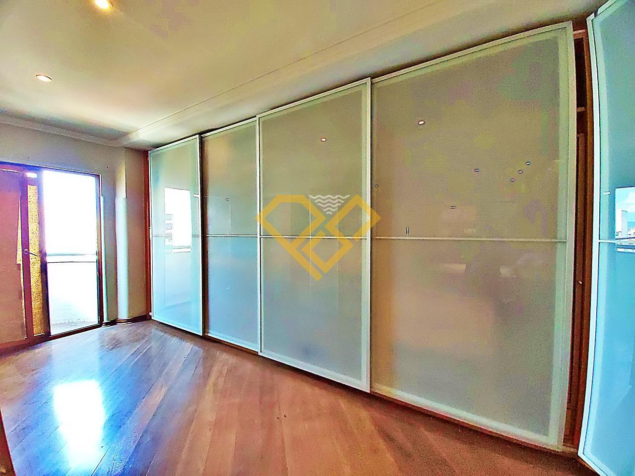 Apartamento à venda no Boqueirão: Closet da suíte master