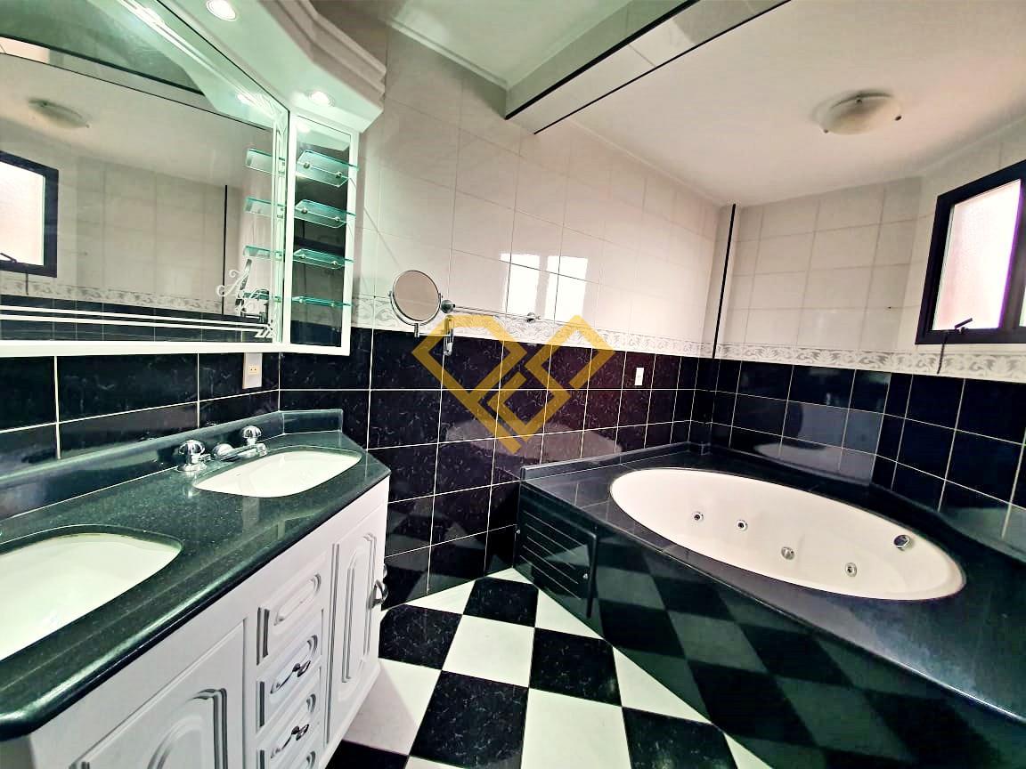 Apartamento à venda no Boqueirão: Wc da suíte 4