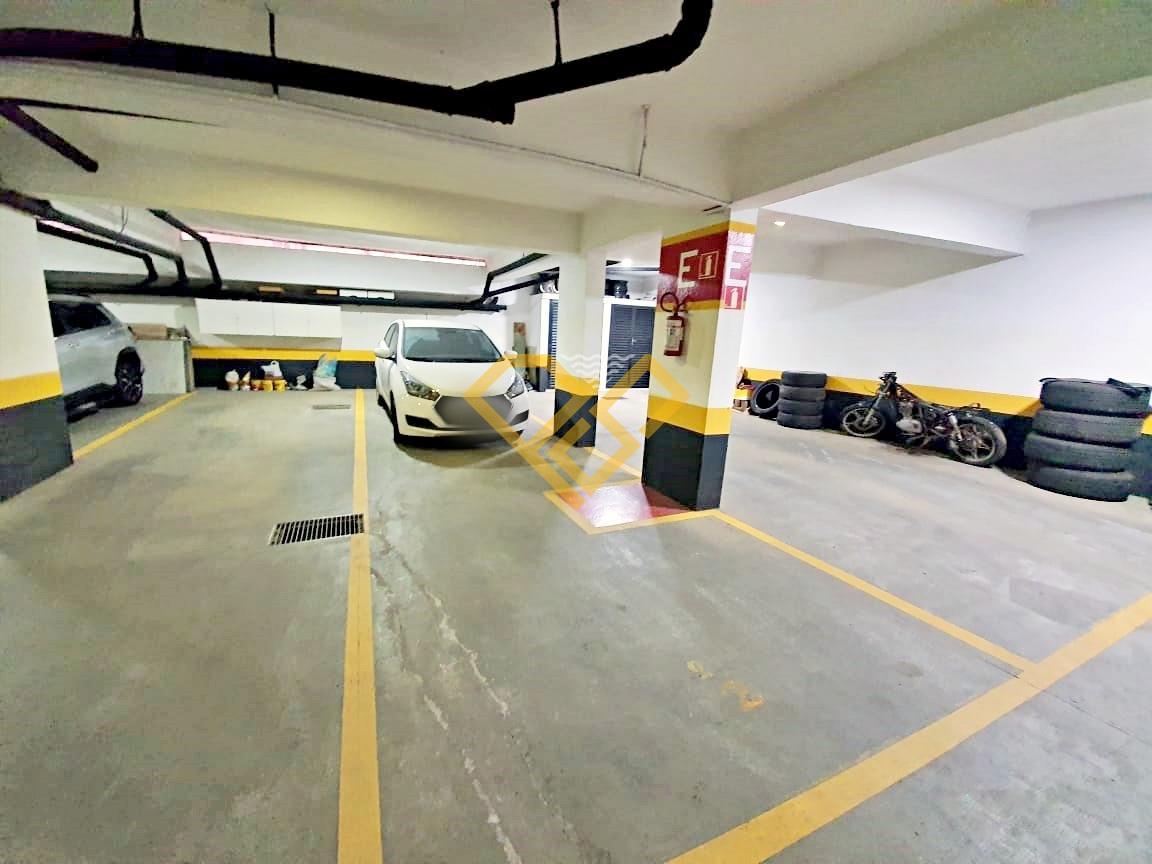 Apartamento à venda no Boqueirão: Garagem
