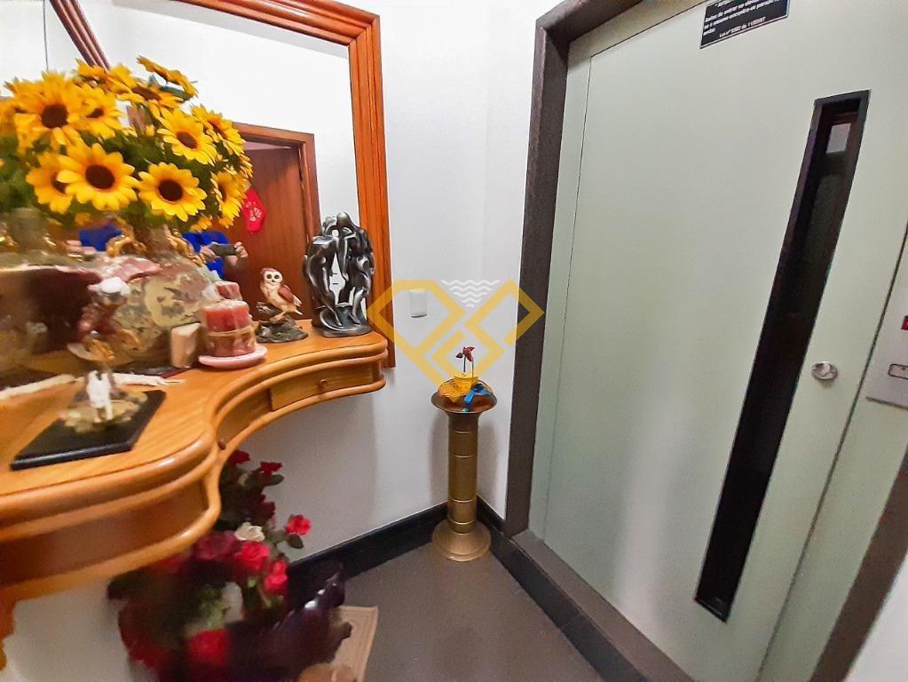 Apartamento à venda no Boqueirão: Hall Social Privativo