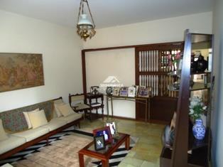 Casa à venda, 5 quartos, 1 suíte, 7 vagas, Centro – GOVERNADOR VALADARES/MG
