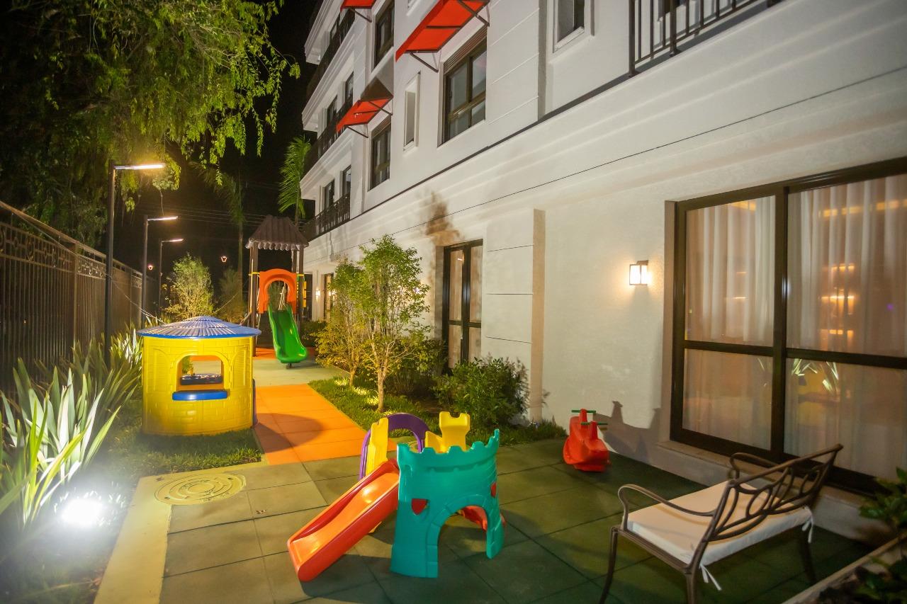 Apartamento à venda no Mercês: