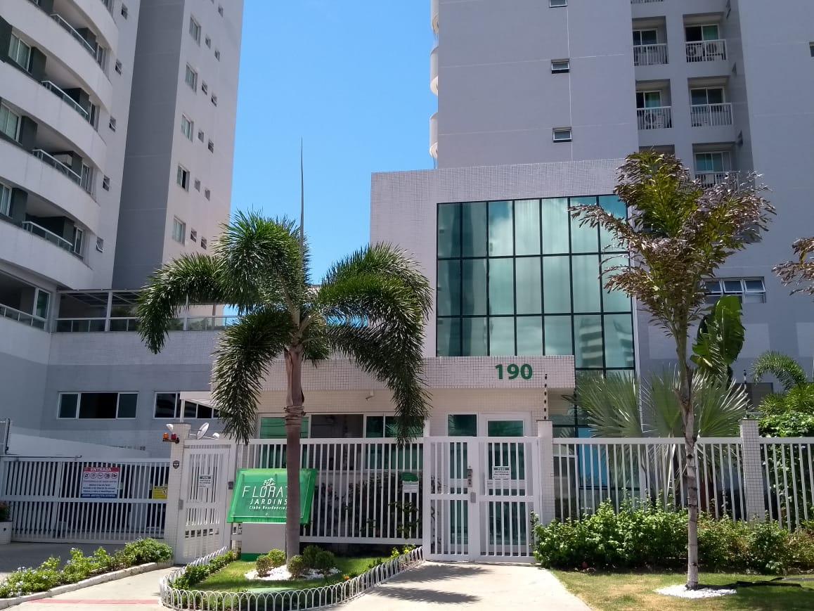 Apartamento no Condomínio Florata Jardins vizinho ao Colégio Master.