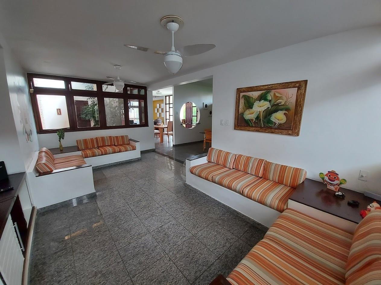 Casa Térrea Mobiliada com piscina no Bairro Coroa do Meio