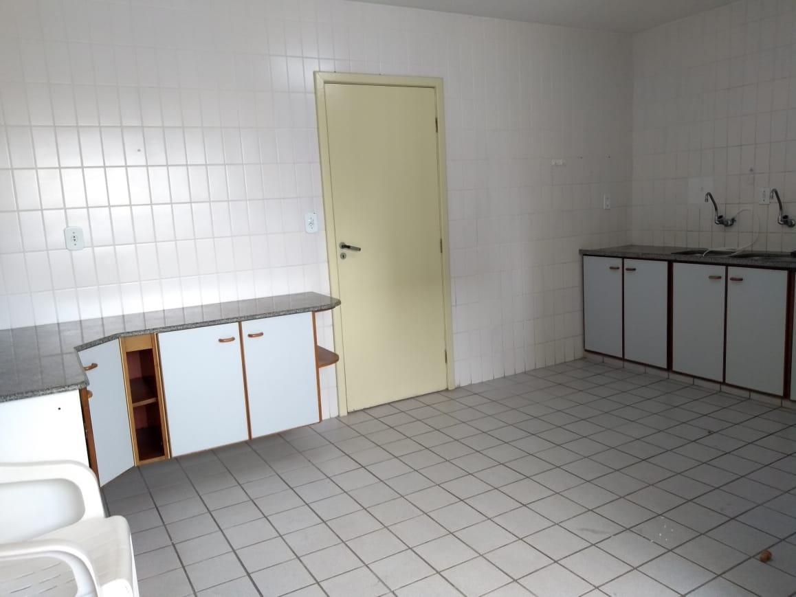 Apartamento à venda no Treze de Julho:
