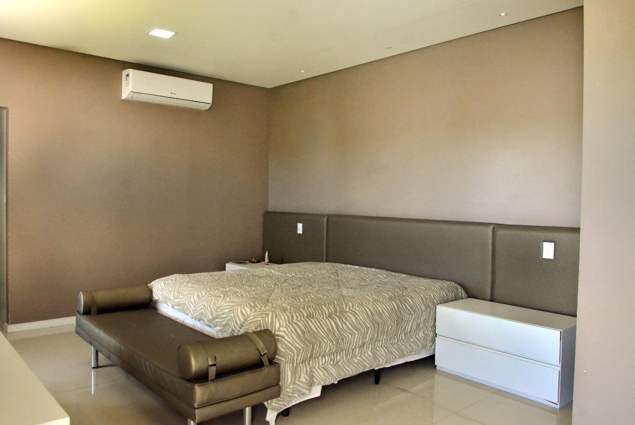 Casa em condominio à venda no Zona de Expansão (Robalo):