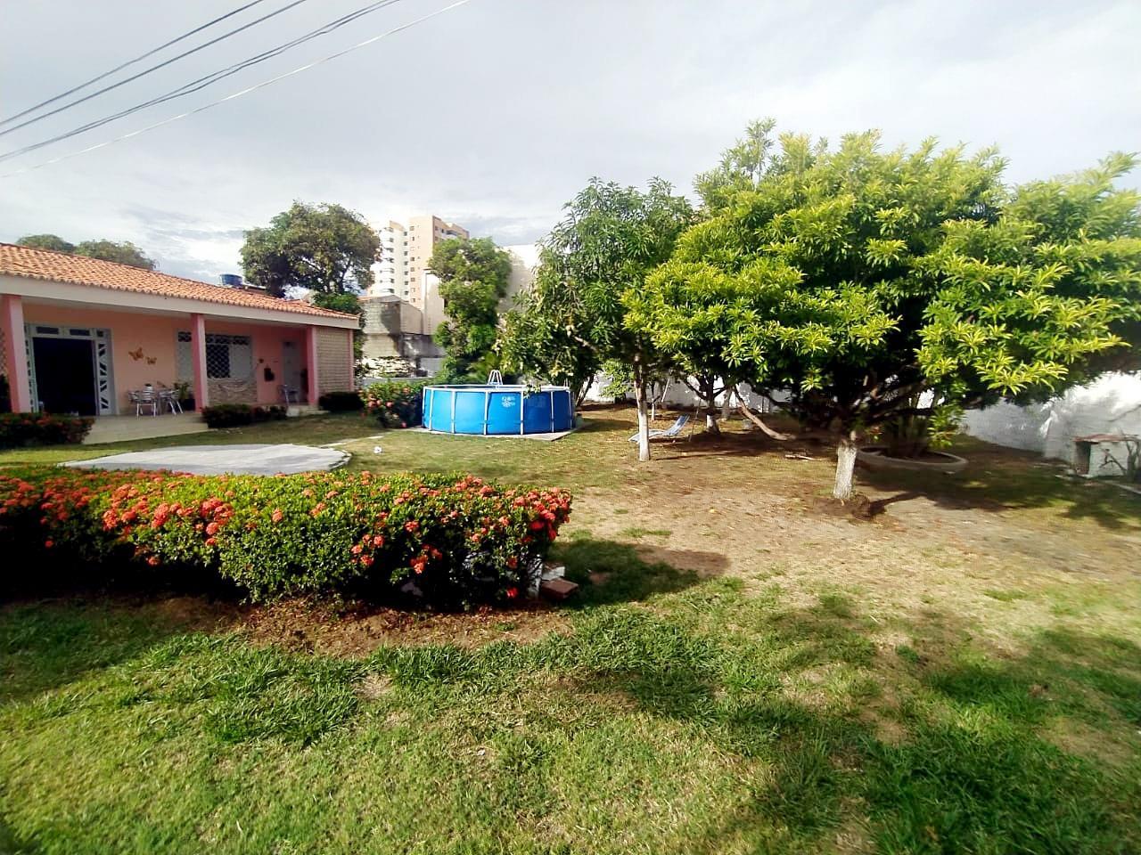 Casa para aluguel no Atalaia: