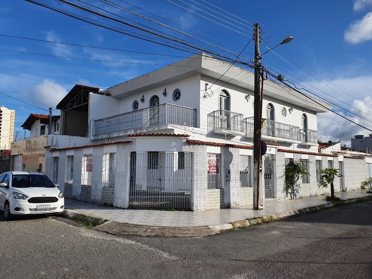 Casa à venda no Salgado Filho: